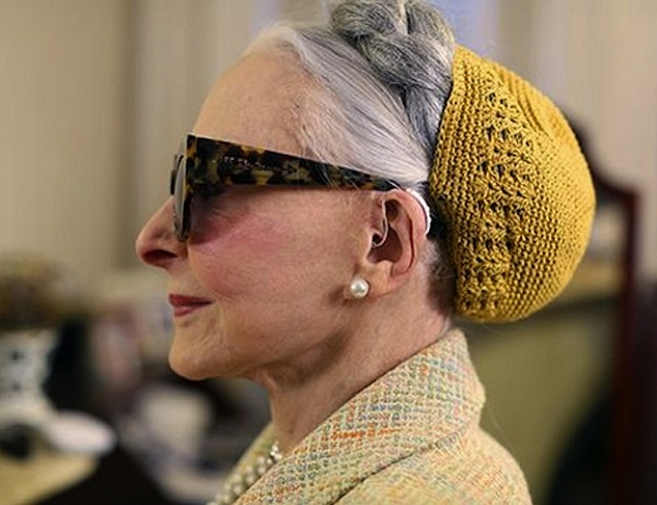 joyce-advanced-style-hearing-aid-audicus-fashionable-hearing-aid-ari-setch-cohen-collaboration-style-blog-stylish-older-women-grey-chic.jpg